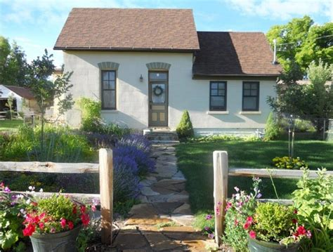 cottage for sale 8 cozy country cottages for sale 200 000 trulia s