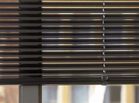 horizontale jaloezieen hout zwart inspiratie aluminium jaloezieen foto s rolgordijnwinkel nl