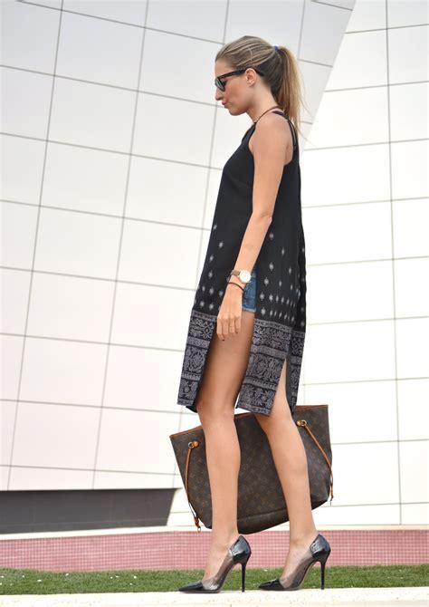 Kaftan Berska caftan shorts and stilettos new trend