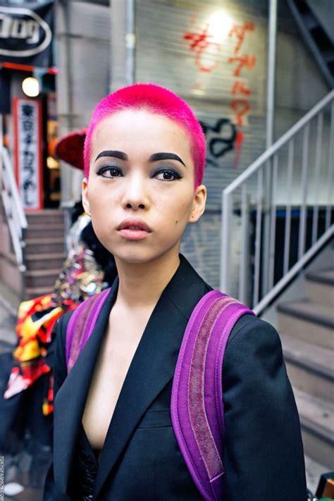 coloring buzzed cut hair pink buzz cut girl buzzcuts pinterest grunge hair