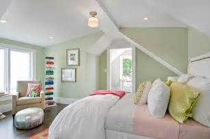 Bright accents in a pastel bedroom