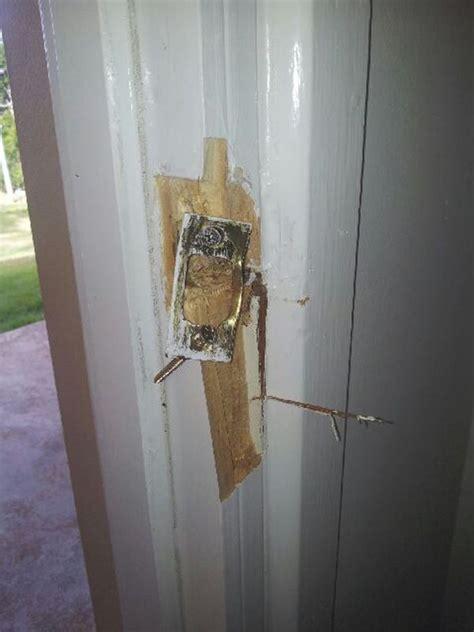 Broken Door Home Door Handles Or Broken Diy Fixes