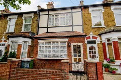 2 bedroom house for sale in east london 2 bedroom houses for sale in east ham east london