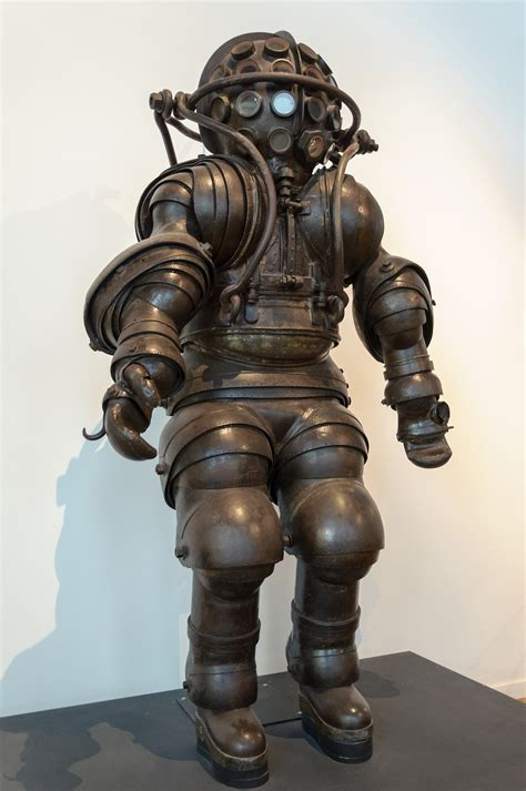 carmagnolle diving suit 1882 planetfigure miniatures