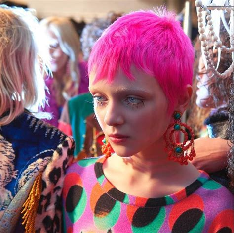 Looks Of The Week Fabsugar Want Need 17 by The 10 Fashion Week Aw 17 Hair Looks You Need To See