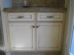 glazing kitchen cabinets before and after awesome glazed kitchen cabinets before and after