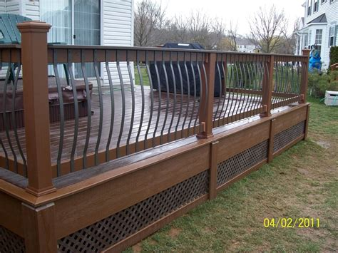 Decking Banister by Decks Deckorators Arc Deck Balusters For Deck Railings