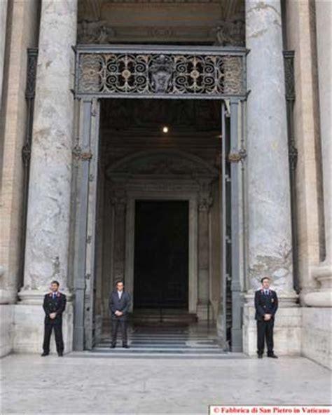 ufficio protocollo lucca basilica papale san pietro