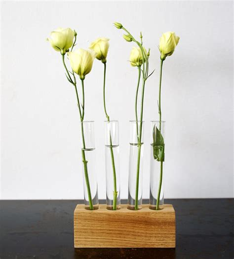 Flower Bud Vase by 25 Best Ideas About Flowers Vase On Magnolias