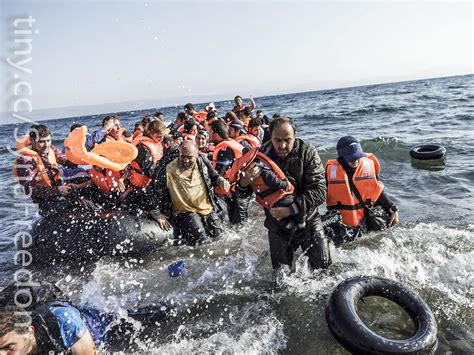 syrian refugee crisis boat understanding the refugee crisis historical global and