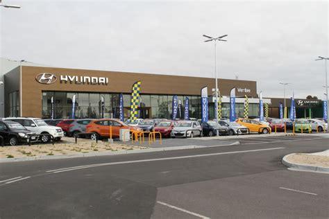 car dealership hyundai hyundai hyundai reveals new retail look goauto