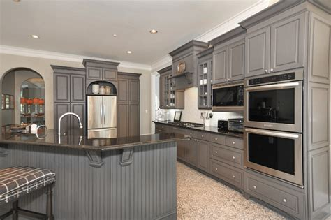 Kitchen Cabinets Thermofoil From White Laminate Thermofoil Kitchen Cabinets To Gorgeous Gray Traditional Kitchen
