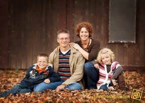 family of 4 picture ideas family of 4 posing idea upcoming ideas pinterest