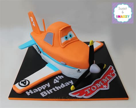 dusty crophopper cake planes cake dusty cake dusty crophopper cake by sweet
