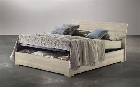 letto contenitore mondo convenienza mondo convenienza letti ferro battuto in legno e imbottiti
