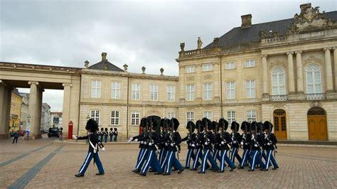 visit amalienborg palace  copenhagen expedia