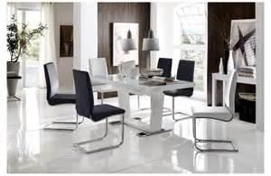 table et chaises de salle a design