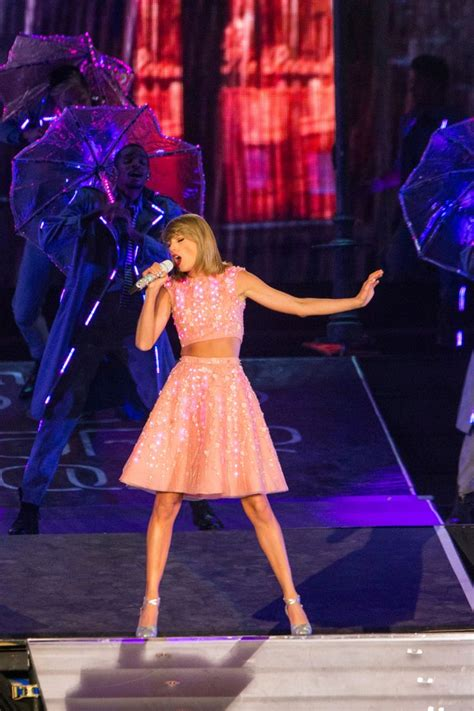 taylor swift pink dress 1989 best 25 taylor swift concert ideas on pinterest taylor