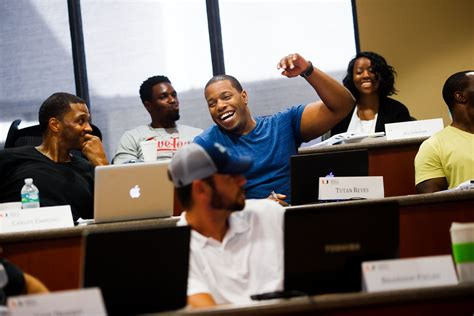 Professional Players With Mba Degrees by Rushing The Corner Office This Mba Program Is For Nfl