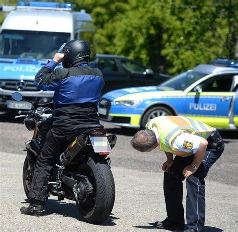 Motorrad In Mobile Stellen by L 228 Rm Autos Halten Grenzwerte Nicht Ein Welt