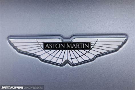 aston martin symbol 100 aston martin symbol flying the flag aston