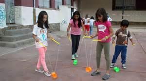 fotos de niños jugando juegos tradicionales 1000 images about juegos tradicionales on pinterest