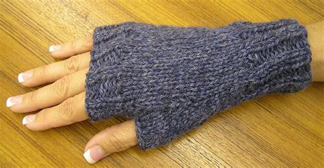 simple pattern for knitting mittens easy fingerless mitts free pattern yarn love knitting
