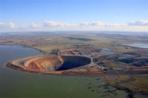Mining Evolution barrick sells cowal mine to evolution mining for 550