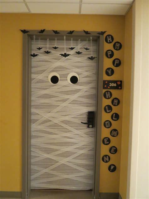 mummy halloween door design halloween