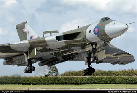Boomber Voolcon g vlcn vulcan to the sky trust avro 698 vulcan b 2 at waddington photo id 18792 airplane