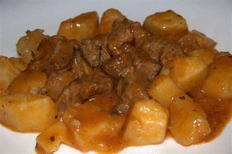 cucinare spezzatino con patate spezzatino di vitello con patate la ricetta per farlo tenero