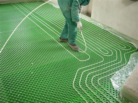 raffreddamento a pavimento riscaldamento a pavimento e climatizzazione raffreddamento