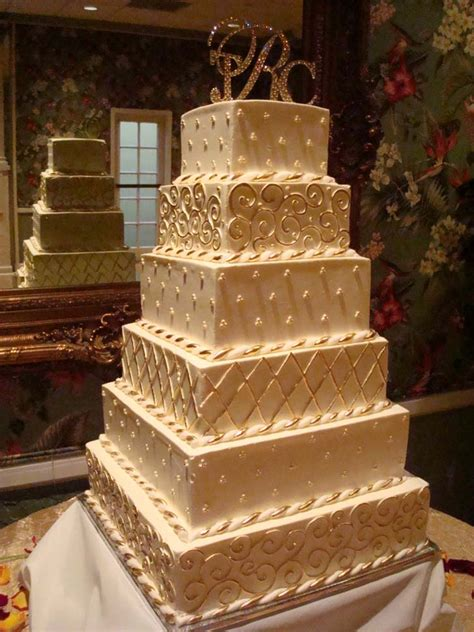 Big Wedding Cakes by Top Of The 5 Big Wedding Cakes Cake Magazine