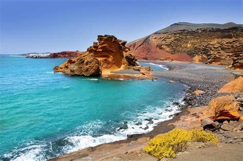 canaries les 10 plus belles plages de lanzarote le