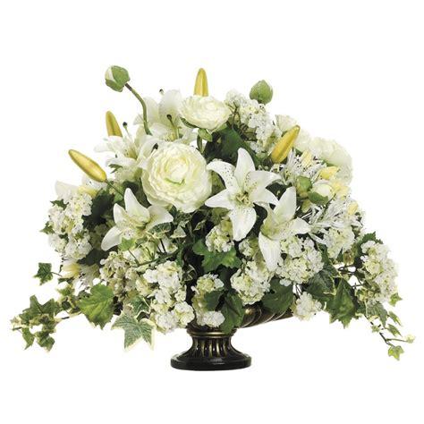 outdoor christmas floral arrangements