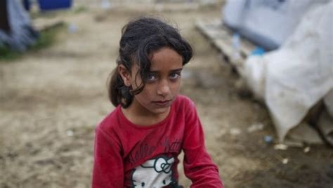 Syari And Kid desperate syrian refugees into selling for