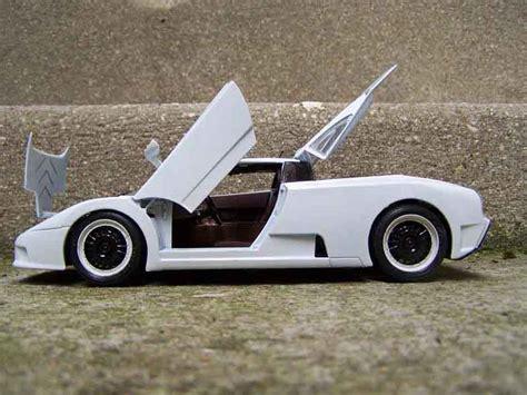 Diecast Miniatur 124 1991 Bugatti Eb 110 Bburago bugatti eb110 special edition burago modellini auto 1 18