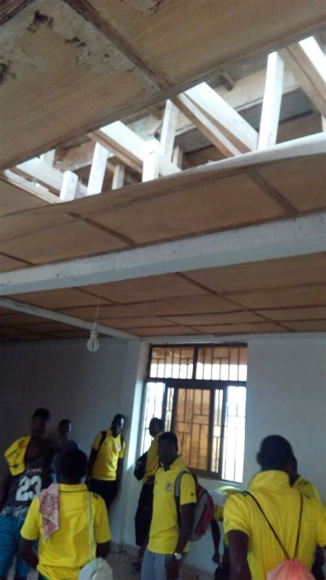 A Room Thieves by Creative Thieves Ransack Ashgold Dressing Room In Bechem