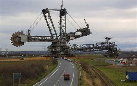 Square Root Of 289 by Biggest Vehicle In The World Bagger 293 Sometimes