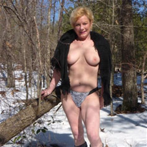 Amateurs Pose Nude In Nature For Sexy Pics Gallery Voyeur Web S Hall Of Fame