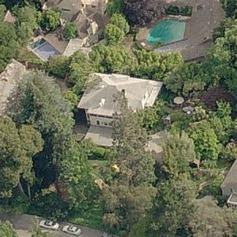 zuckerberg house mark zuckerberg s house in palo alto ca google maps 4 virtual globetrotting