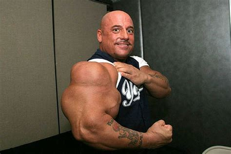 klikunic biar keliatan perkasa pria ini suntik steroid