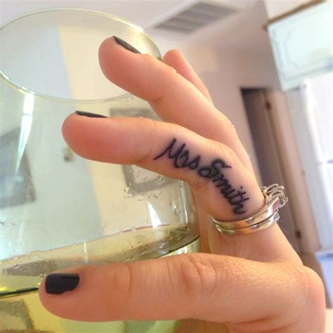 finger name tattoos 10 design ideas for names 2015