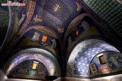 mausoleo di galla placidia interno mausoleo galla placidia ravenna cosa vedere guida alla