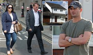 Liverpool boss Brendan Rodgers leaves family home   Daily