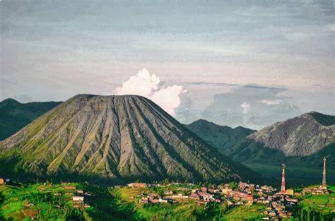 Senter Untuk Muncak wisata negeri diatas awan puncak b29 lumajang