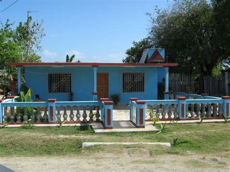 Cubans House by Panoramio Photo Of Cuban House