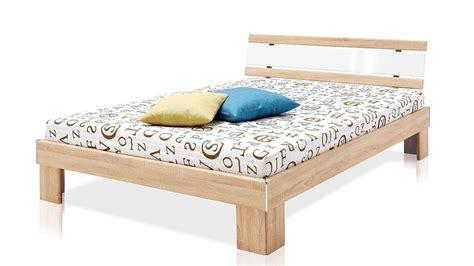 bett mit matratze und rollrost futonbett rhone 140x200 sonoma eiche mit matratze und rollrost