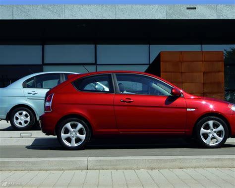 Kfz Versicherung Ferrari Kosten by Hyundai Accent Bilder Ein Kompaktwagen Auf Hohem Niveau