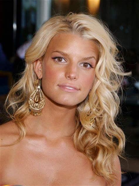 is jessica simpson a natural blonde jessica simpson latest hairstyles 1988 whispers